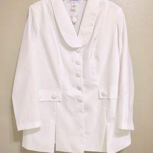 Roman's White 2-pc pants suit. New W/O Tags 16W